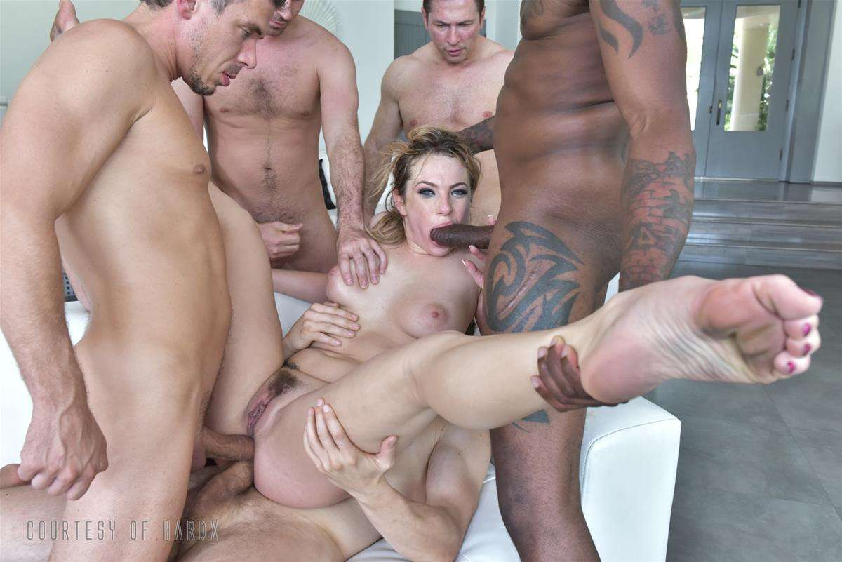 Gangbang Me 2 gallery photo 24 out of 39