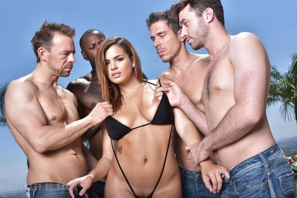 Gangbang Me 2 gallery photo 31 out of 39
