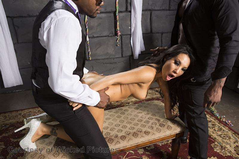 Asa Goes To Hell gallery photo 188 out of 213