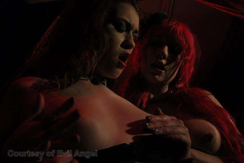 Hard In Love gallery photo 2 out of 206