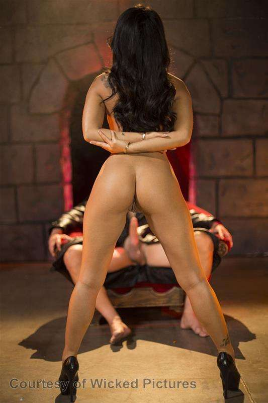 Asa Goes To Hell gallery photo 117 out of 213