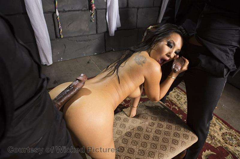 Asa Goes To Hell gallery photo 183 out of 213