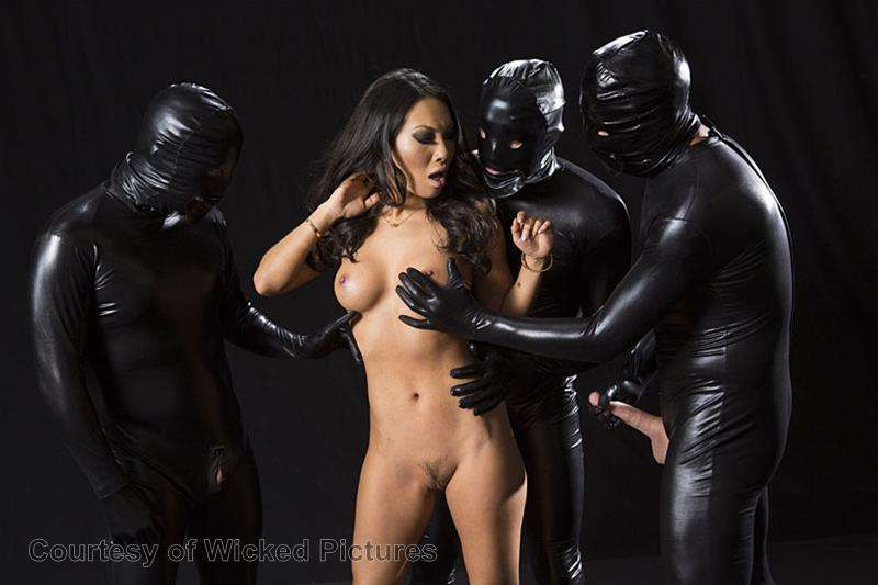Asa Goes To Hell gallery photo 74 out of 213