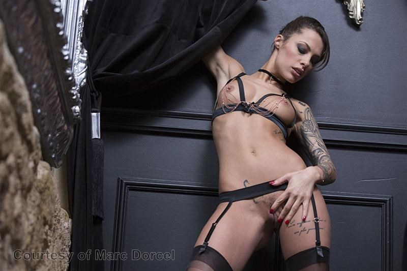 Megan Escort Deluxe gallery photo 43 out of 97