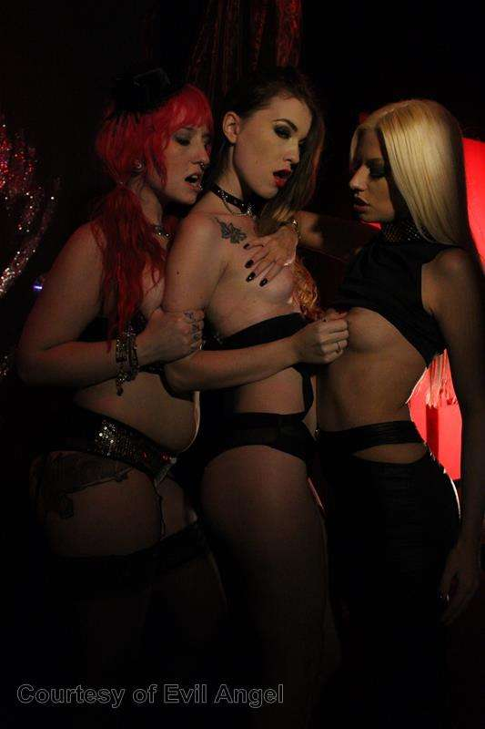 Hard In Love gallery photo 3 out of 206