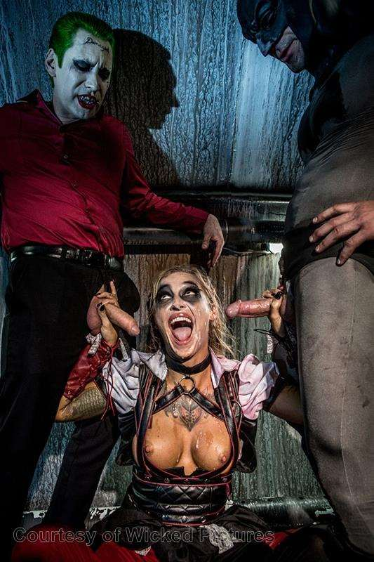 Suicide Squad XXX: An Axel Braun Parody gallery photo 194 out of 196