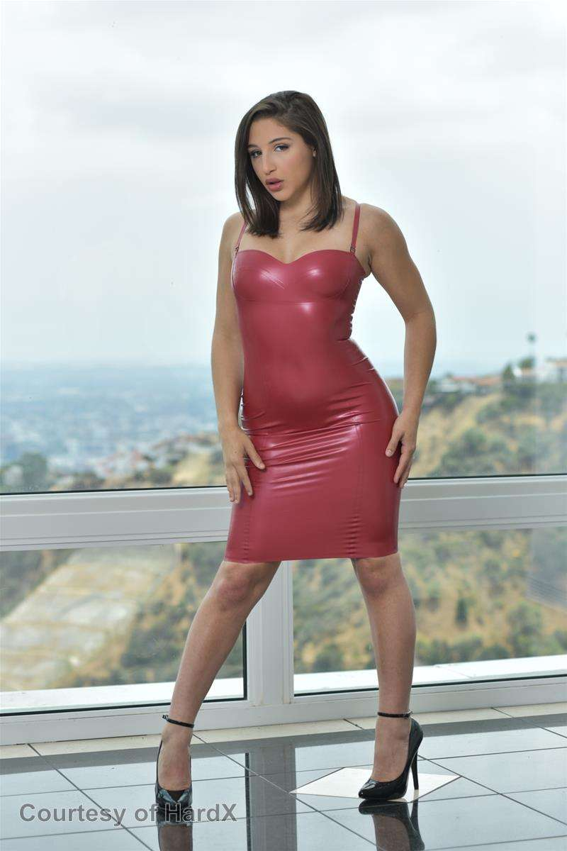 Abella gallery photo 9 out of 43