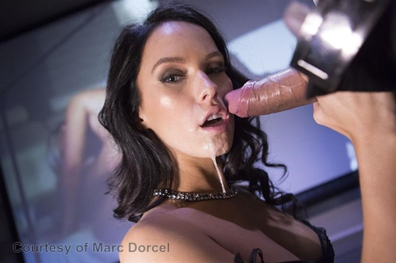 Megan Escort Deluxe gallery photo 71 out of 97