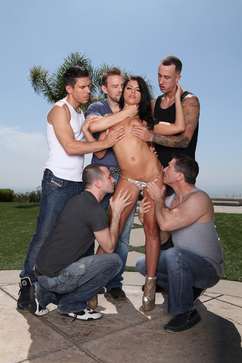 Gangbang Me gallery photo 11 out of 40