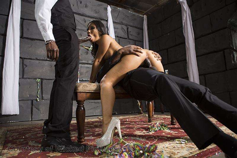 Asa Goes To Hell gallery photo 187 out of 213