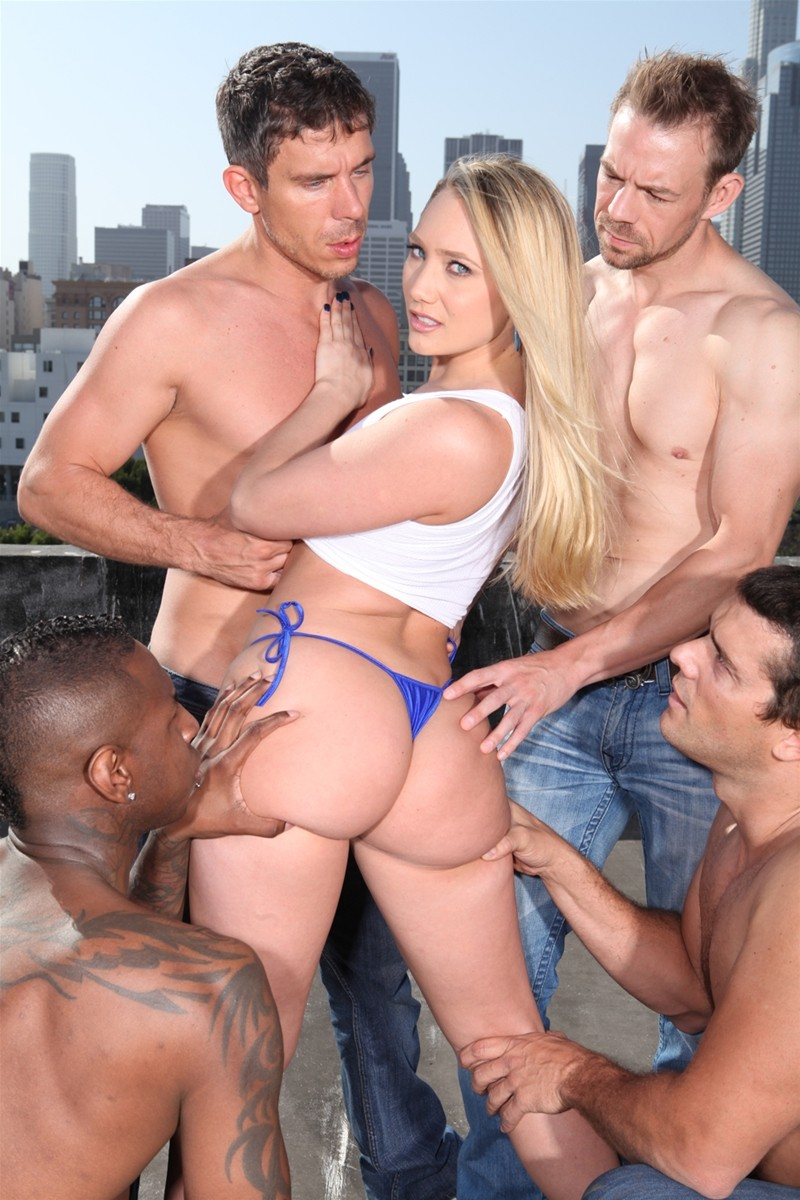 Gangbang Me gallery photo 22 out of 40