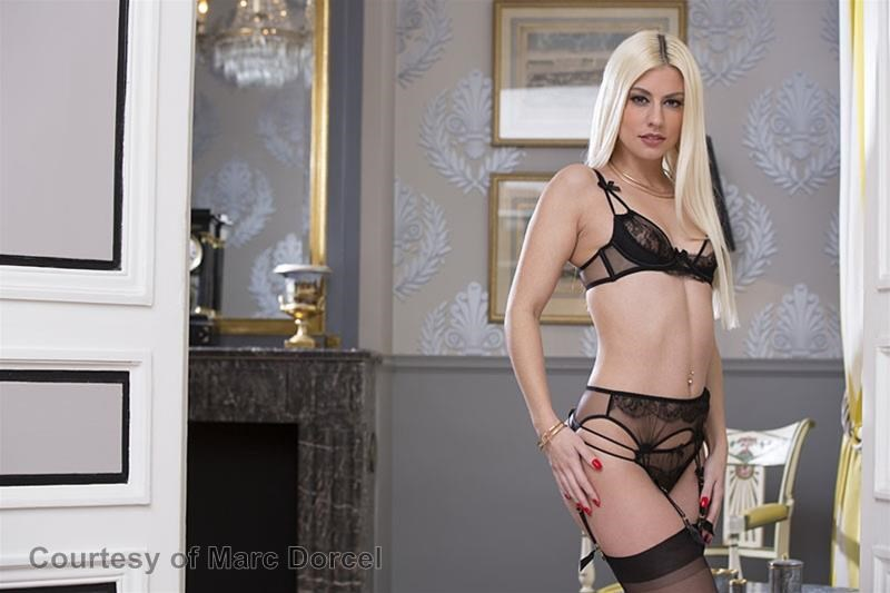 Megan Escort Deluxe gallery photo 80 out of 97