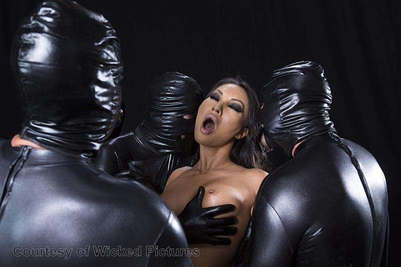 Asa Goes To Hell gallery photo 101 out of 213