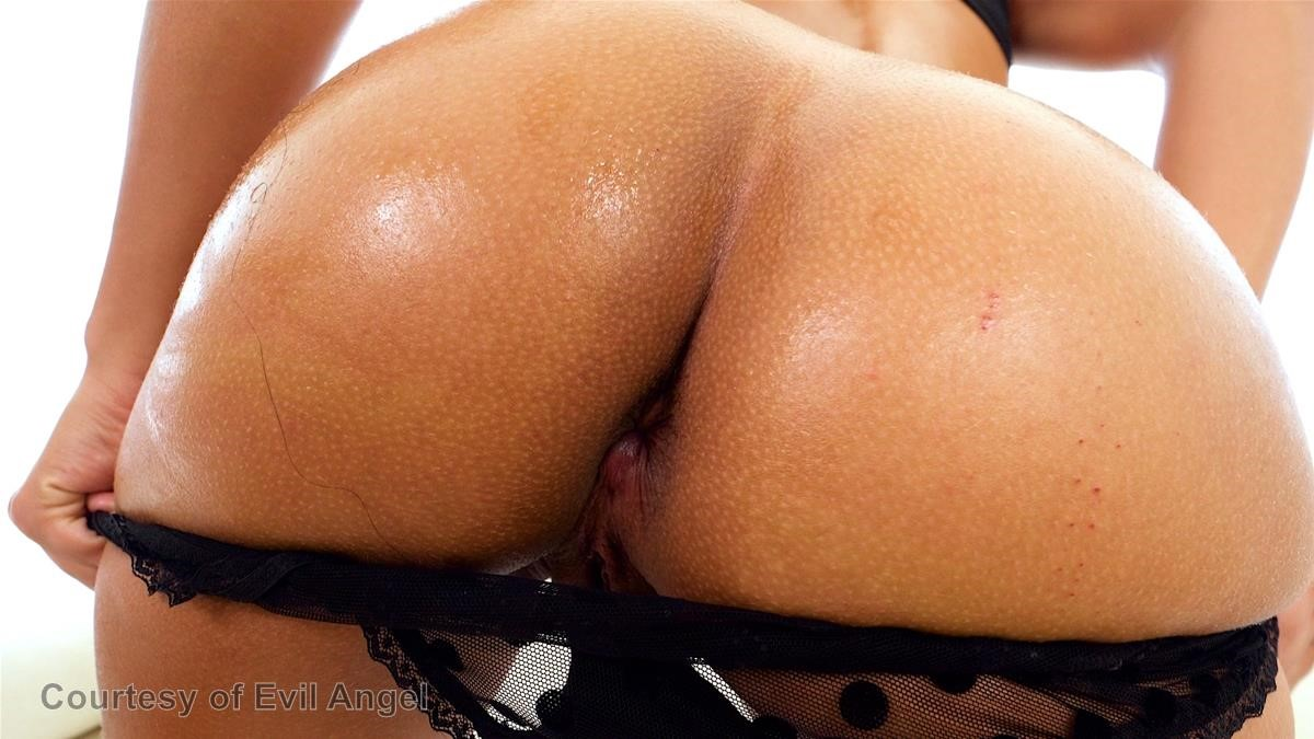 Holly Hendrix's Anal Experience gallery photo 41 out of 51