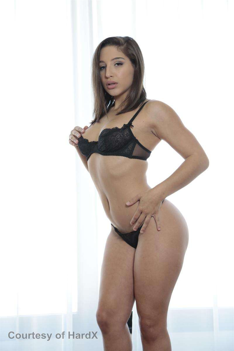 Abella gallery photo 2 out of 43
