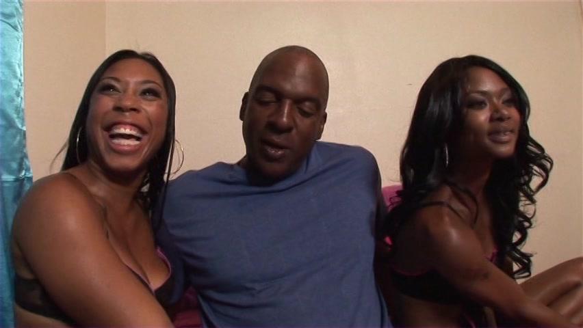 Ebony girls threesome cumswapping
