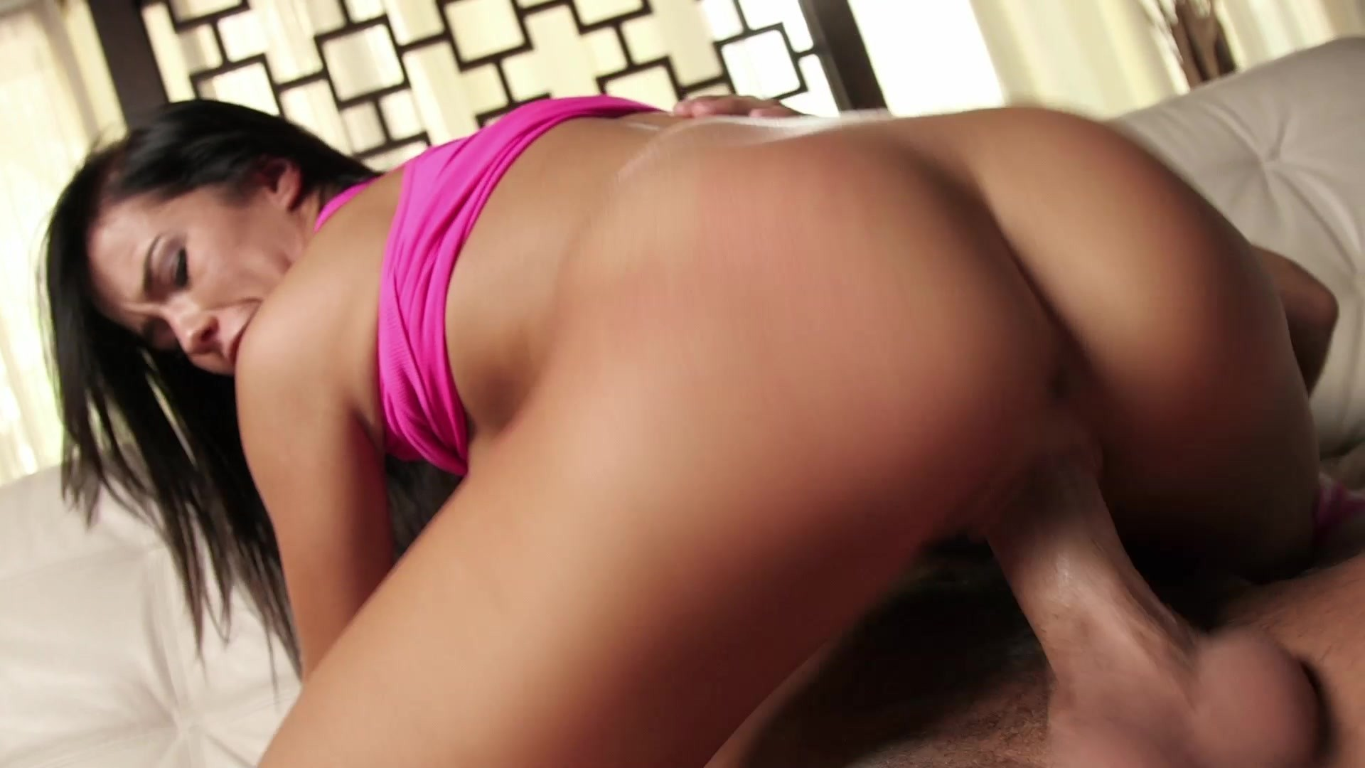 Big cock and brunette in pussy pounding
