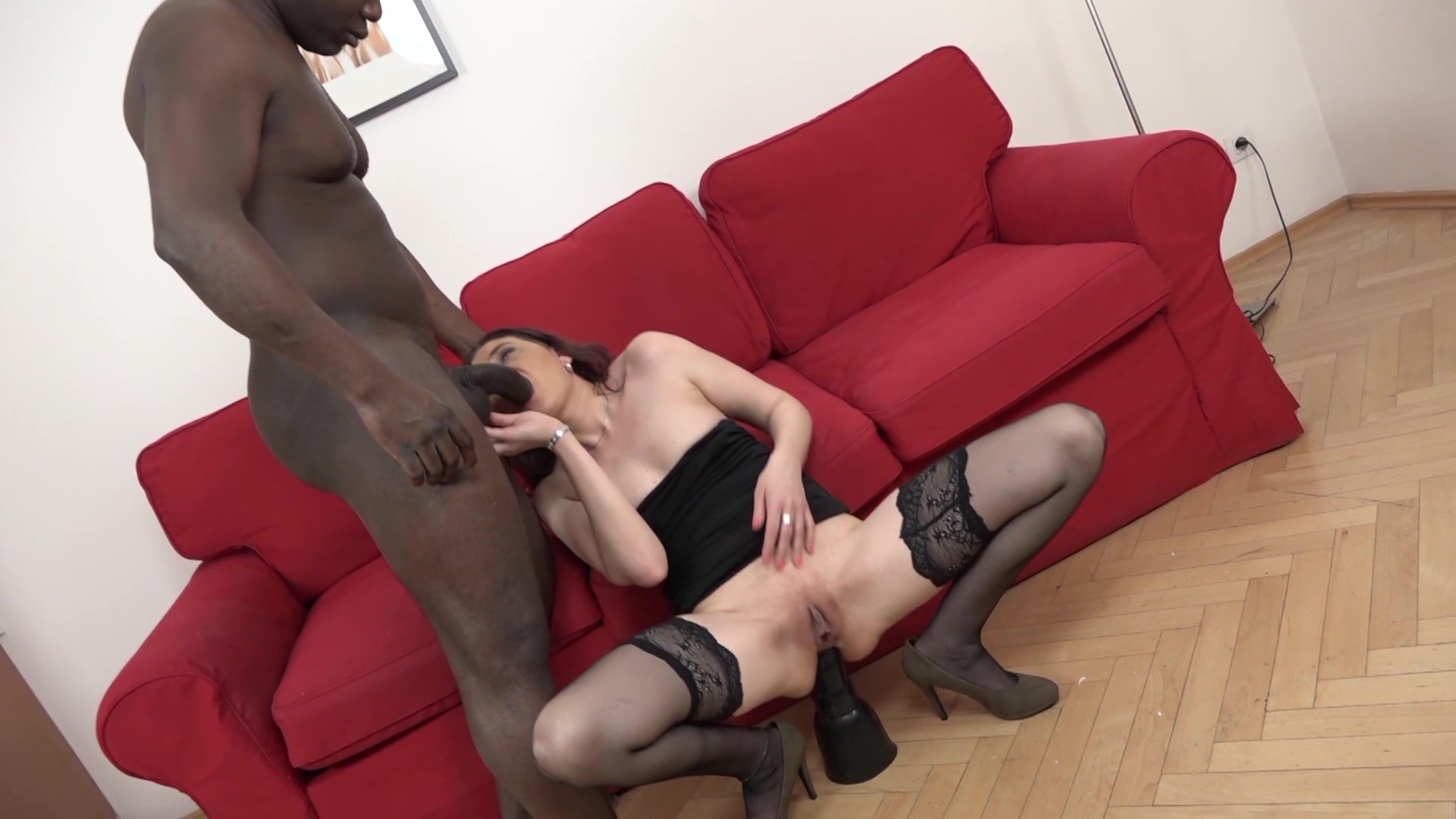 Milf takes big cock in her anus