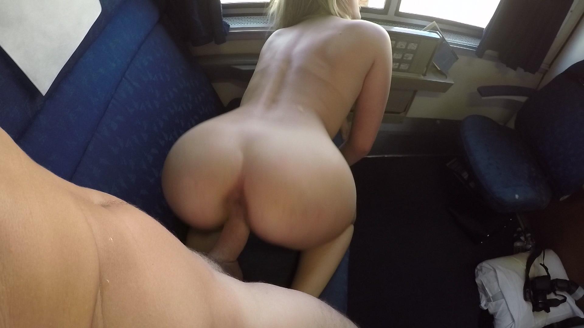 Sex in train pics