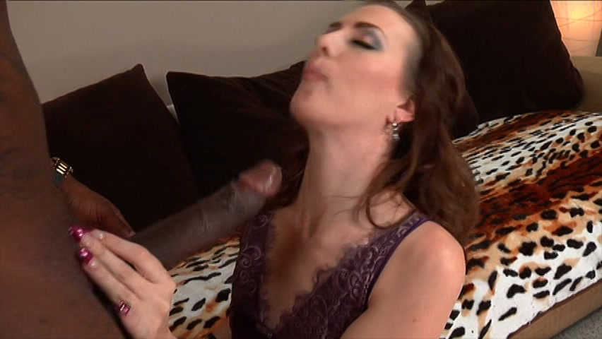 Brunette milf throating