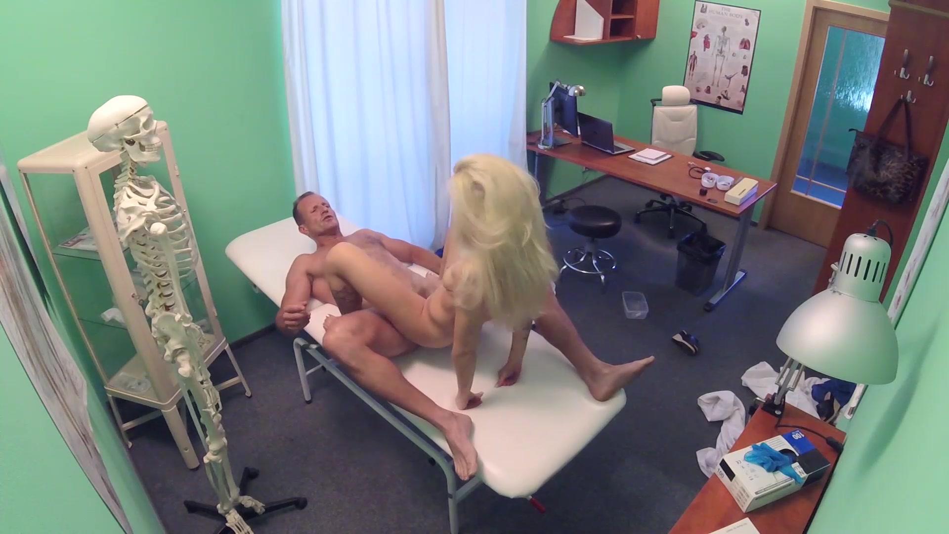 Barbara Bieber & Valerie Fox Porn private examination | fake hospital | unlimited streaming at