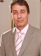 Steve Holmes Headshot
