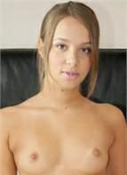 Liza Rowe Headshot