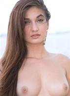 Michelle Taylor Headshot