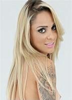 Barbara Alves Headshot