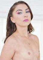 Ava Eden Headshot
