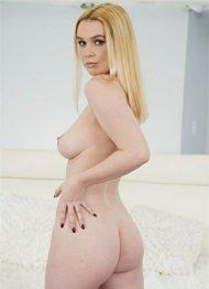 Layla Belle
