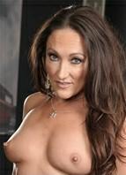 Michelle Lay Bodyshot