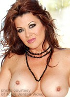 Raquel Devine Bodyshot