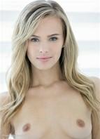 Jillian Janson Bodyshot