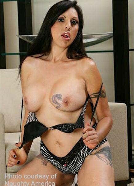 Angela D'Angelo Bodyshot