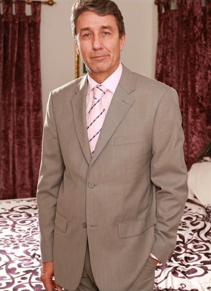 Steve Holmes Bodyshot