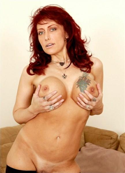 Nikki Sinn Bodyshot