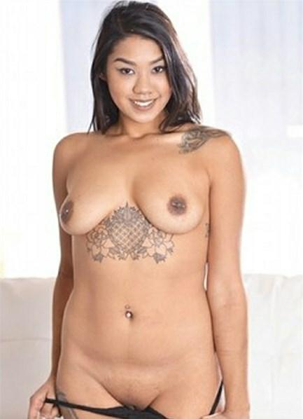 Ivy Ray Bodyshot