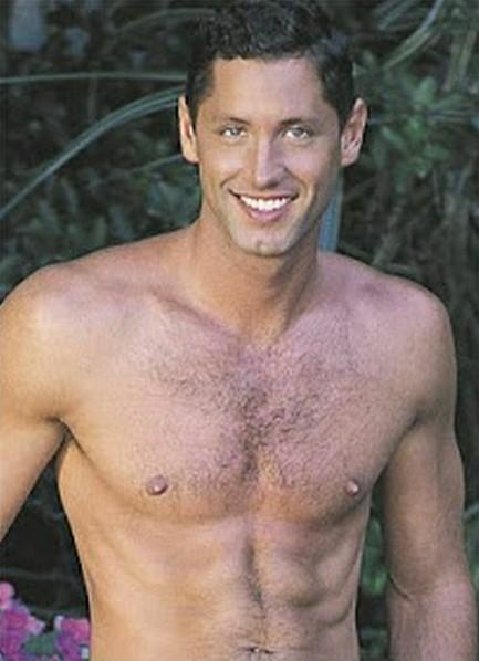 Blake Harper Bodyshot