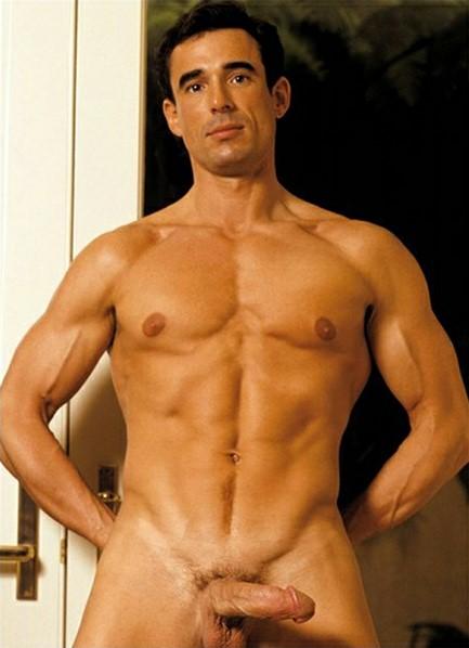 Shawn Justin Bodyshot