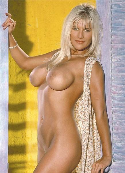 Farrah Bodyshot