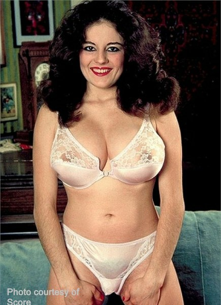Laura Sands Bodyshot
