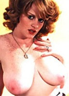 Lisa De Leeuw Bodyshot