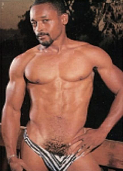 Gene Lamar Bodyshot
