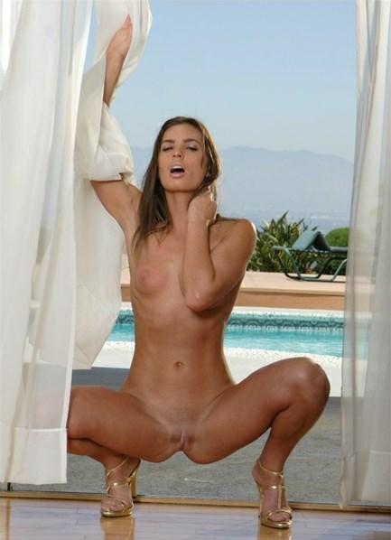 Naomi Bodyshot