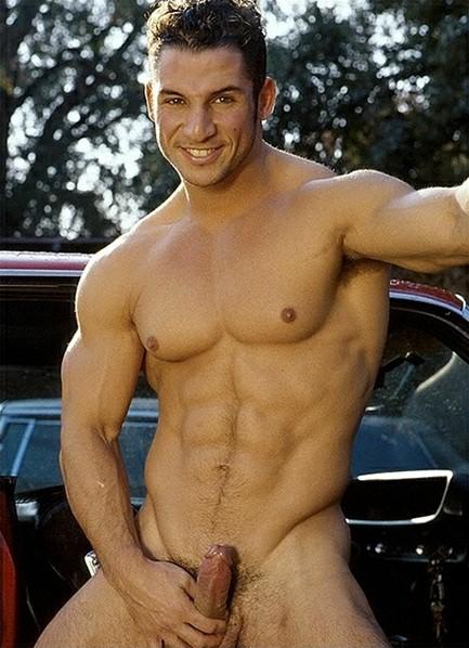 Marco Rossi Bodyshot
