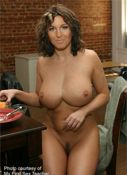 Cynthia Pendragon Bodyshot