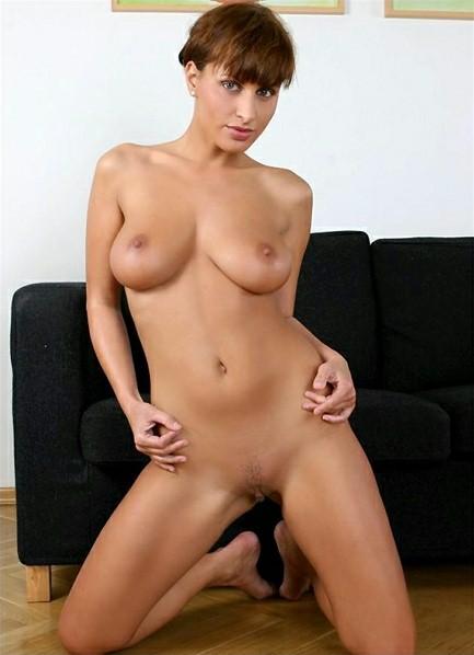 Veronica Vanoza Bodyshot