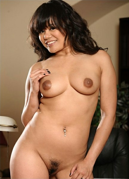 Annie Cruz Bodyshot