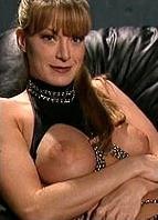 Lauren Montgomery Bodyshot
